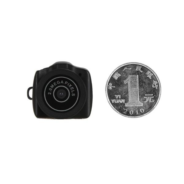 Дигитална мини видеокамера – Y2000 с HD резолюция и вграден микрофон, 3